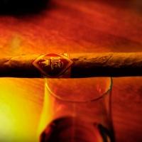 Mercedes Reyes Cigars und die Rheingolf 15